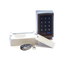 Toegangscontrolepaneel met decoder, kaartlezer en afstandsbediening